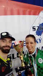 Tréner Peter Sabol s Luciou Langošovou, ktorú trénuje.