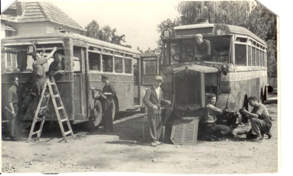 9b84ef68b Dopravný podnik v dvoch trakciách – autobusovej a trolejbusovej, ročne  najazdí takmer 5 miliónov km. Každoročne prepraví .viac ako 30 miliónov  cestujúcich.