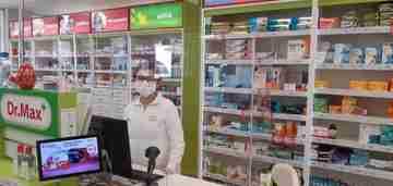Dr. max inštaluje ochranné kryty vo svojich lekárňach