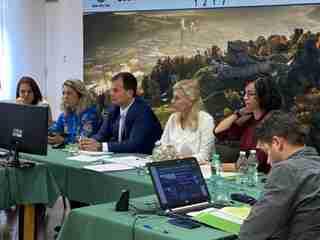 Veľký Šariš sa pred komisiou prezentoval online