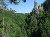 Dolina Lačnovského potoka s dominantným Mojžišovým stĺpom