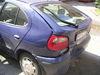 Havarovaný Renault si nehodu odniesol poškodenými plechmi