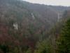 Výhľad od zrúcanín do Lačnovskej tiesňavy