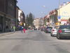Autá už od budúceho týždňa nebudú na Slovenskej ulici parkovať vpravo, ale vľavo - a šikmo